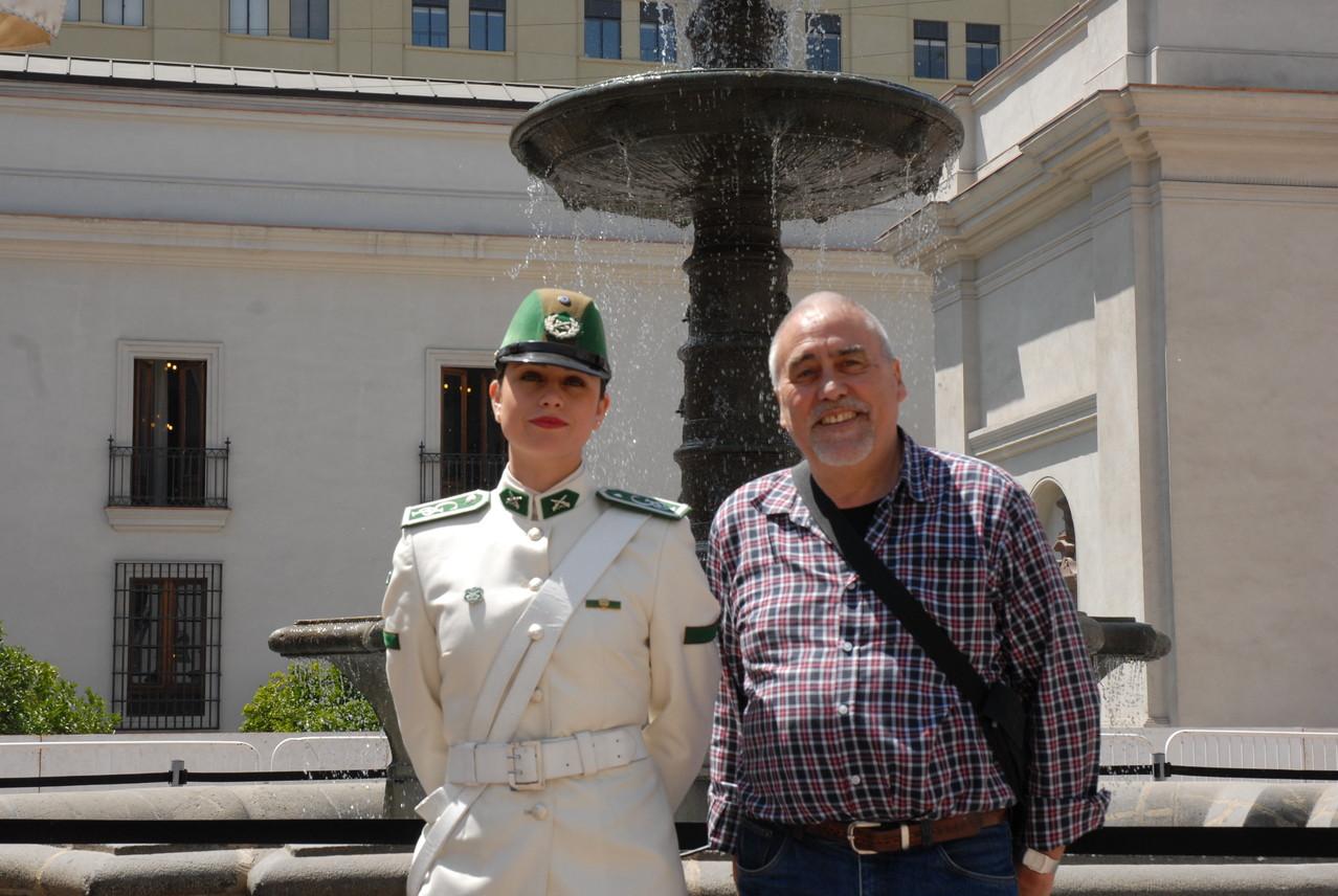 Hans und die Gardistin des Präsidenten