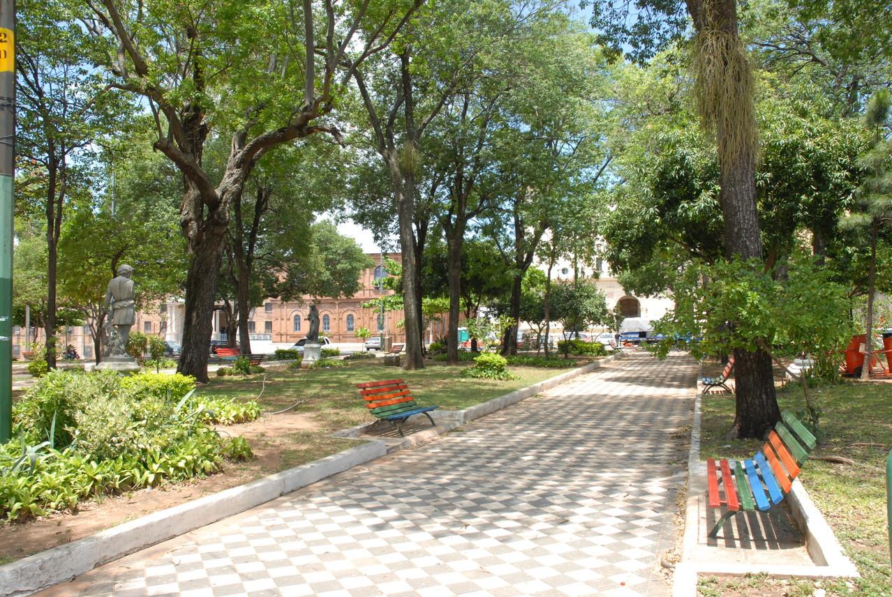 Im Park auf dem Plaza de Independencia