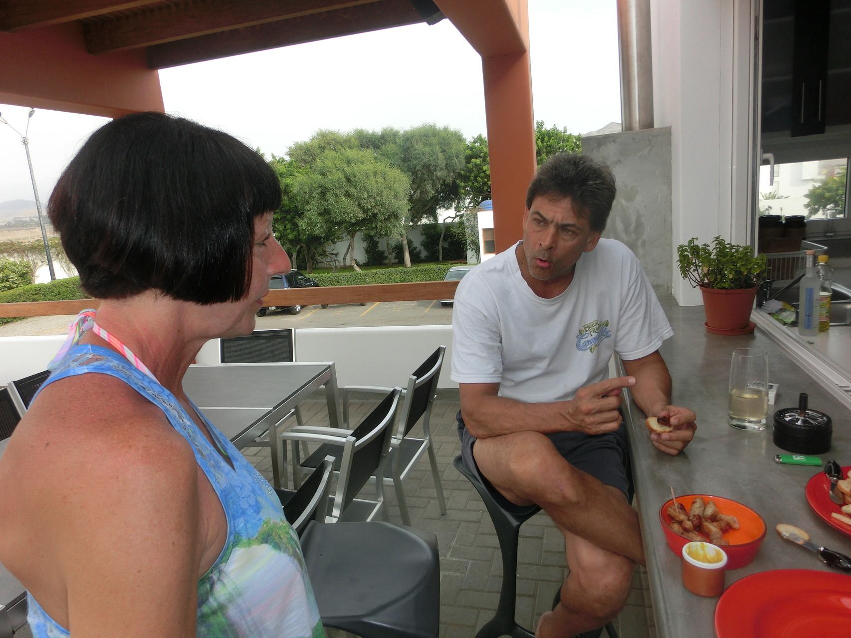 Rosi mit Eric, einem befreundeten motorradbegfeisterten Nachbarn
