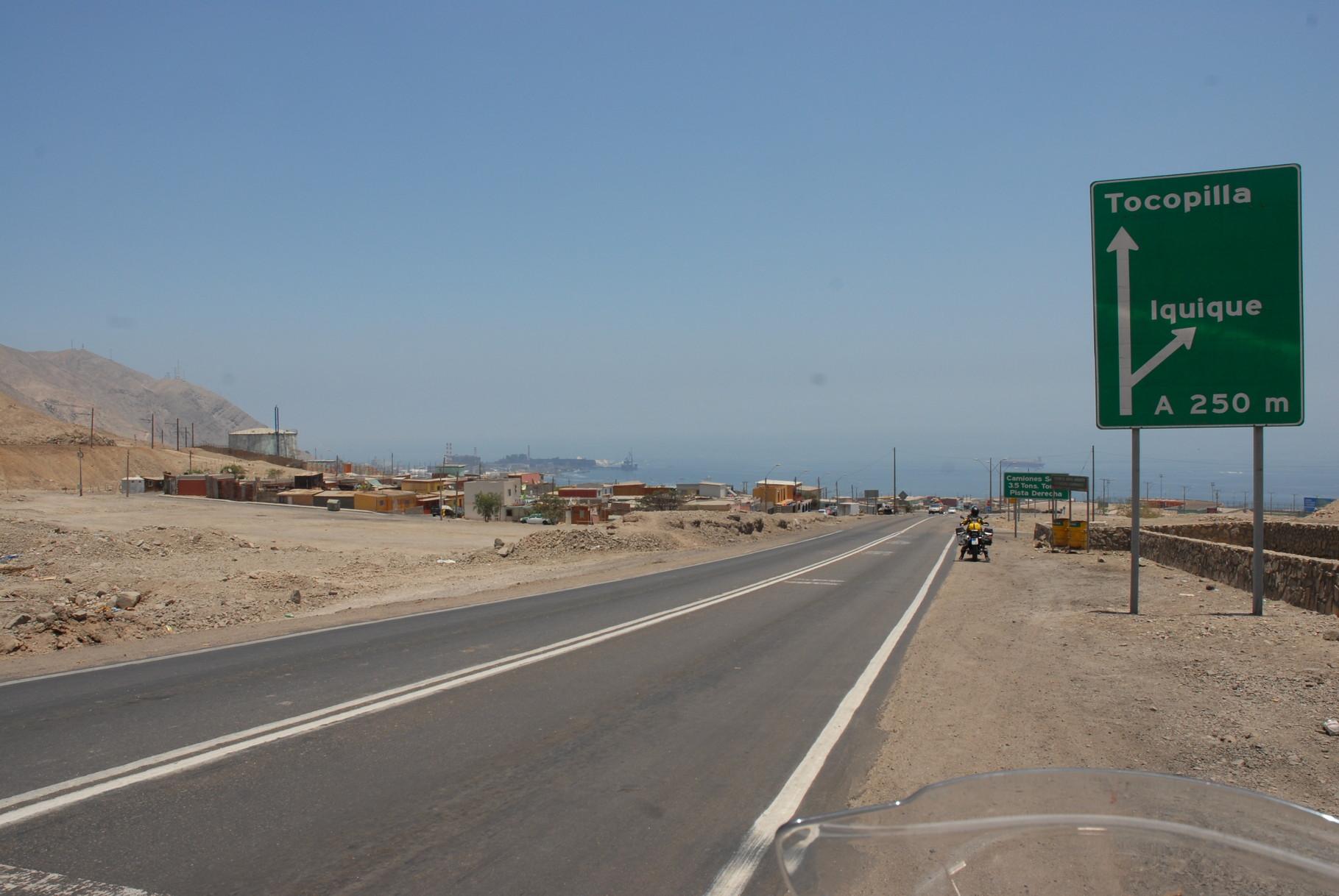 ... bogen wir rechts nach Iquique ab