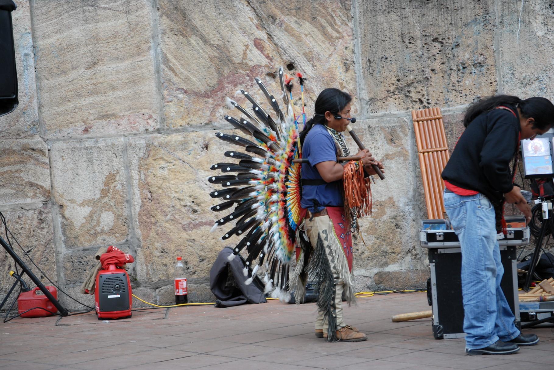 Zwei Straßenmusikanten ...