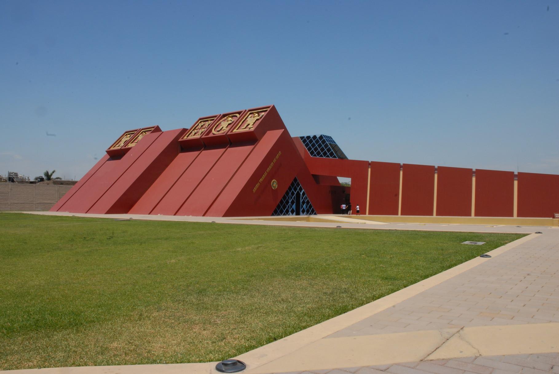 ... in Form einer Mochepyramide