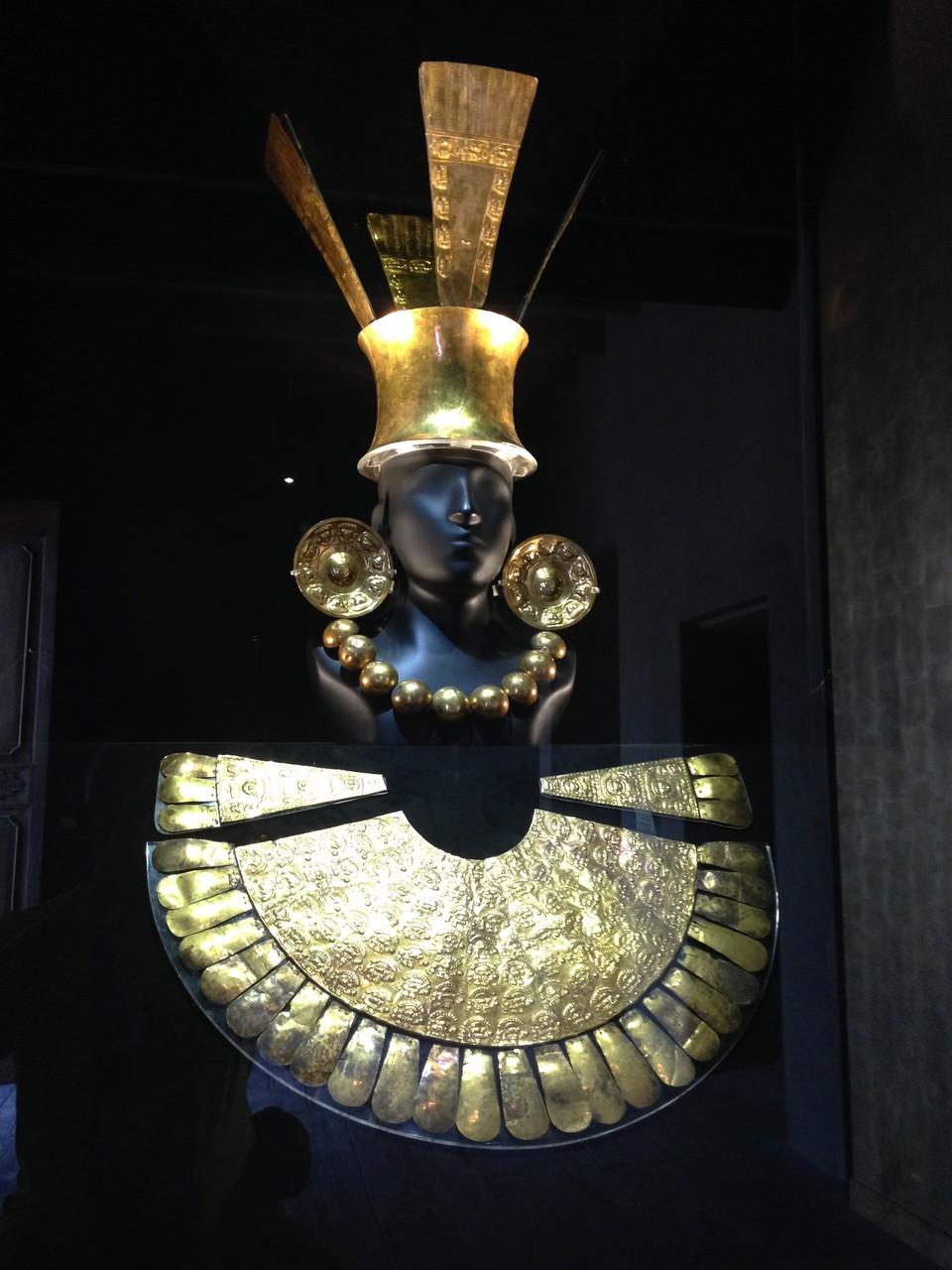 Begräbnisausstattung aus Gold