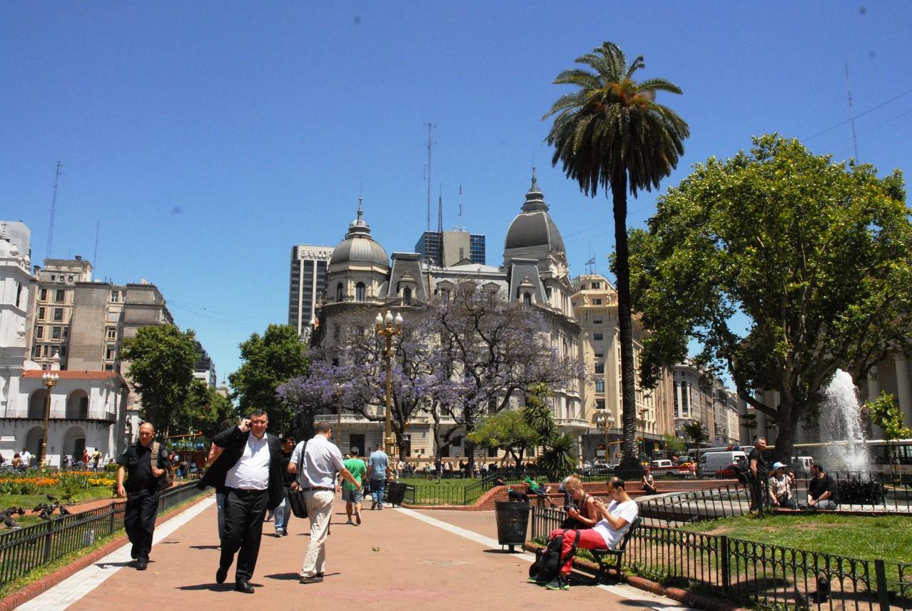 Blick von der Plaza de Mayo in nördliche richtung