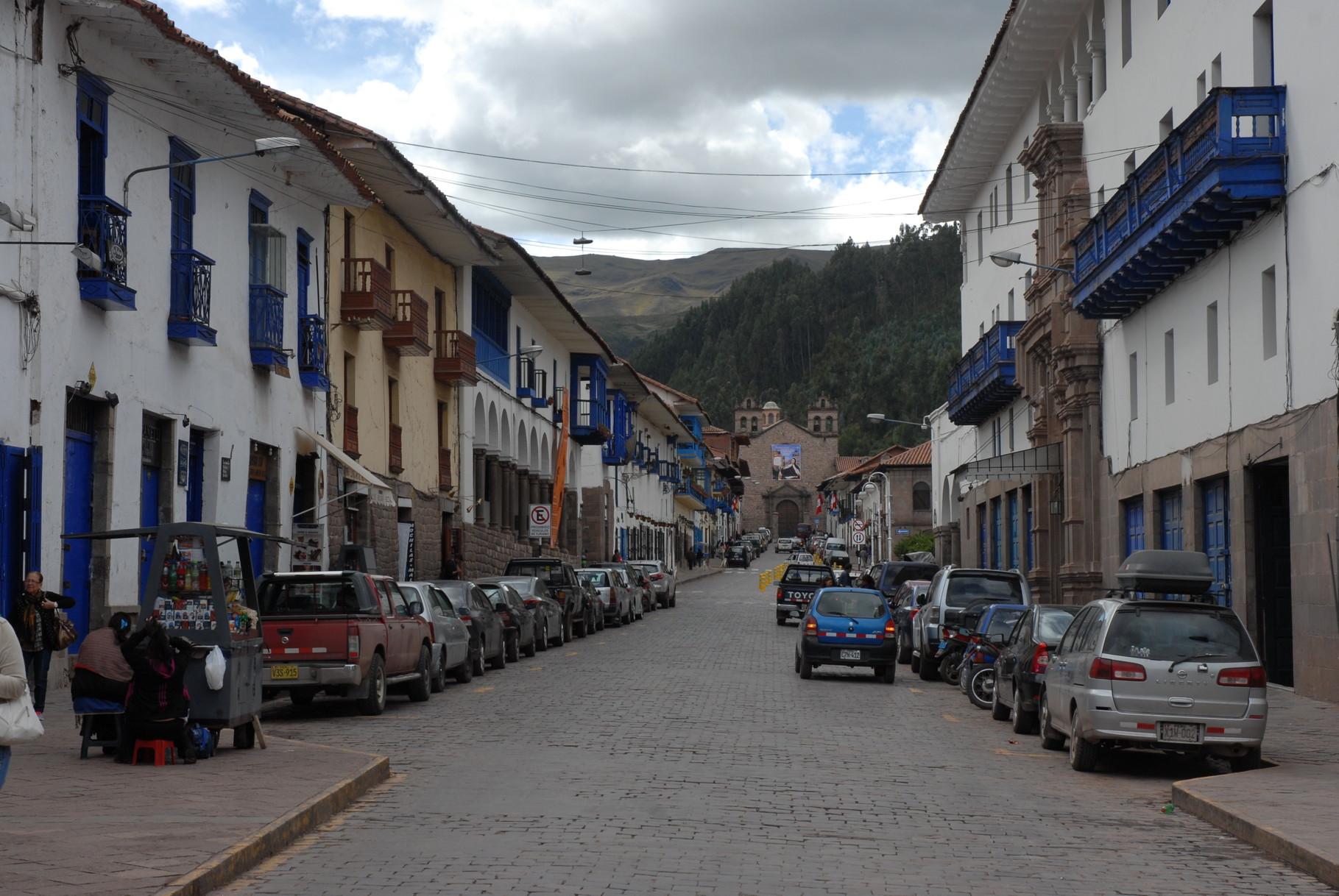 Nette Straßen mit alten Kolonialhäusern in Cusco