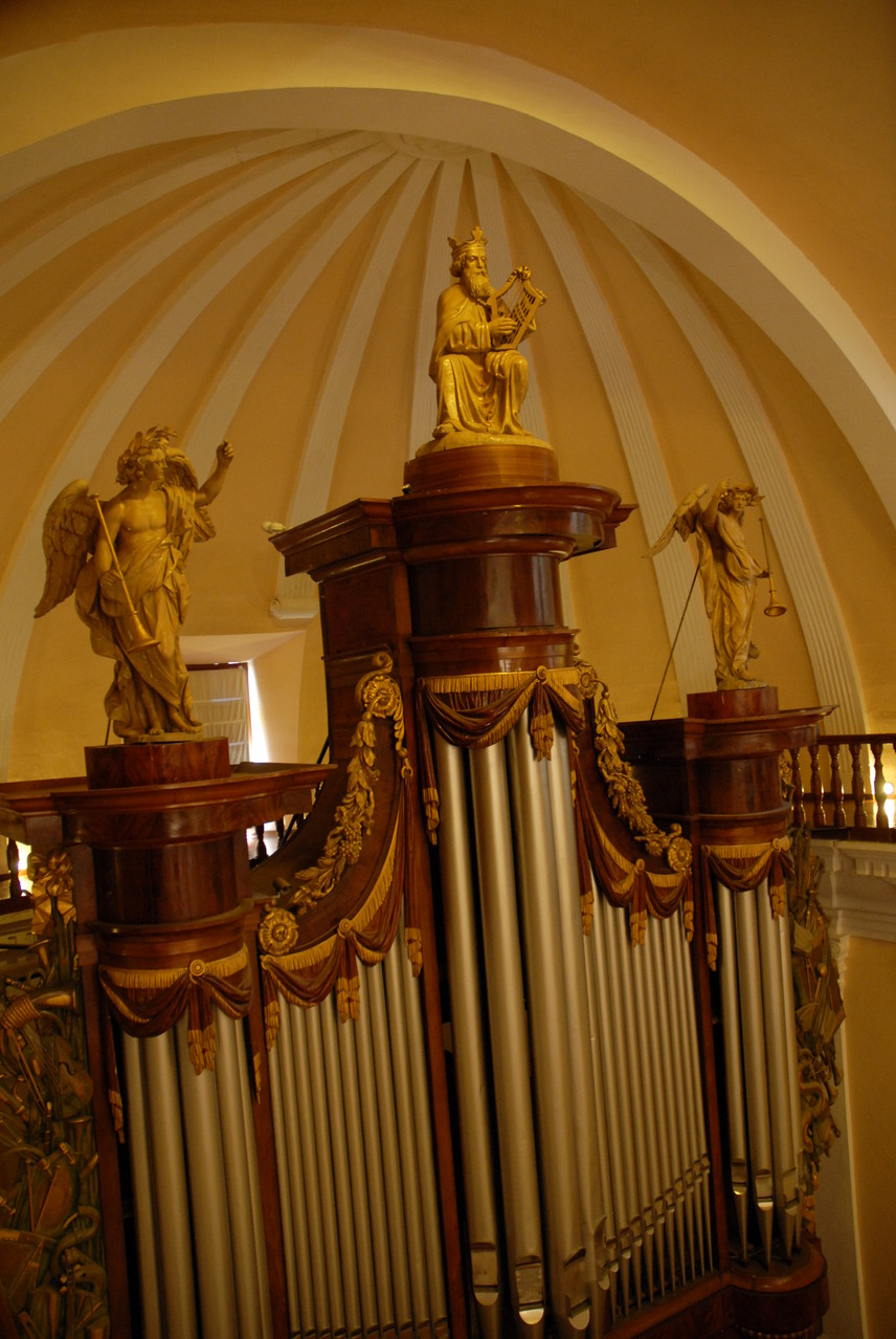 Und eine RIESIGE Orgel