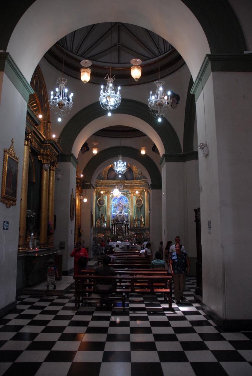 Die Igelsia Santo Domoingo von innen