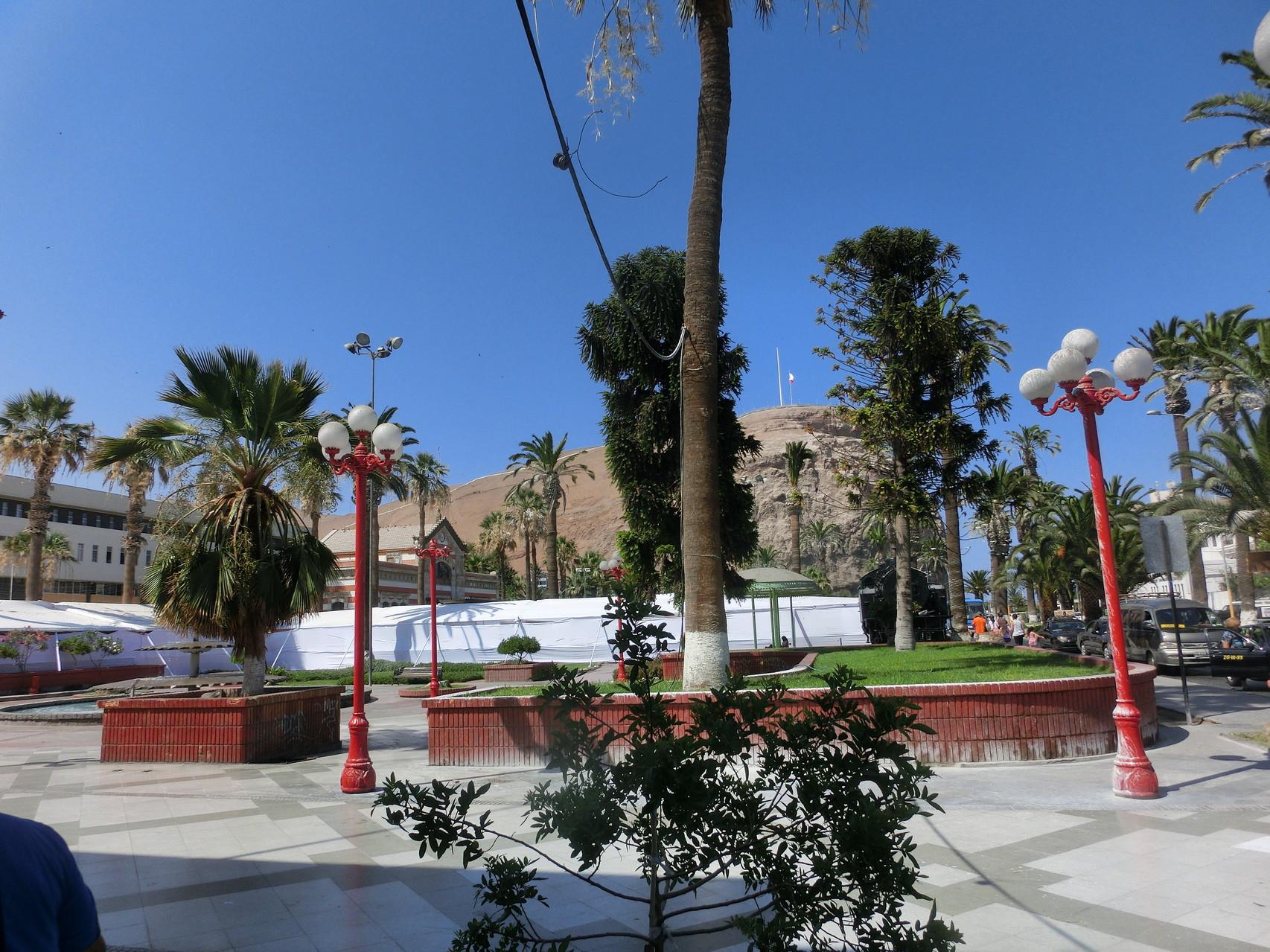 Die Plaza mit dem Morro im Hintergrund