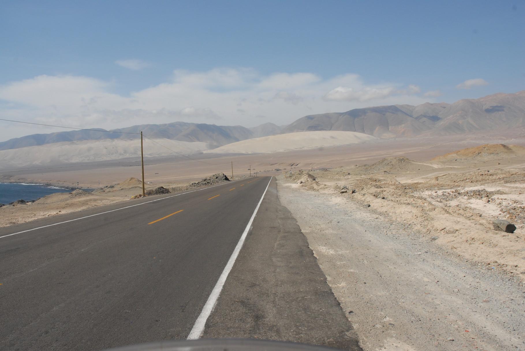 Wieder quer durch die Pampa ... allmählich wird es langweilig ...