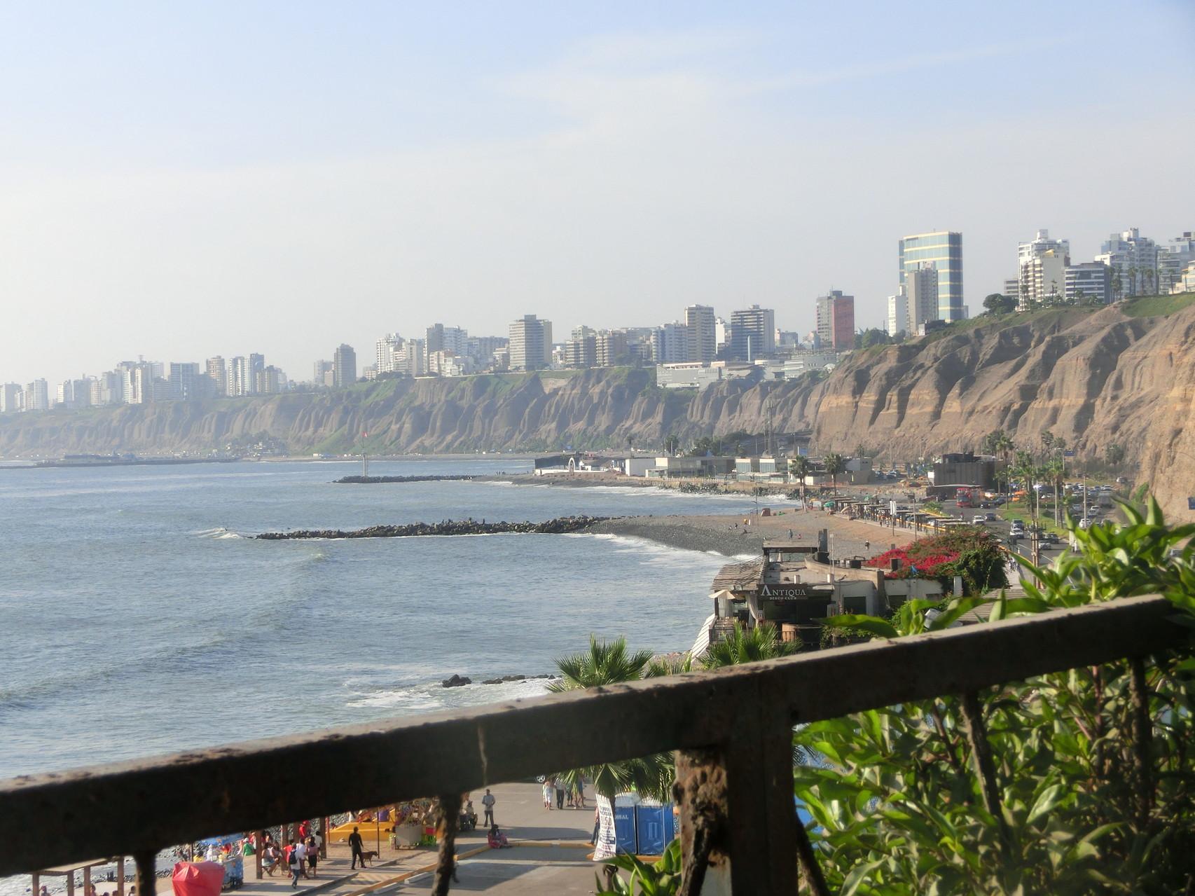 Limas Stadtteile Barranco und Miraflores liegen an der Steilküste
