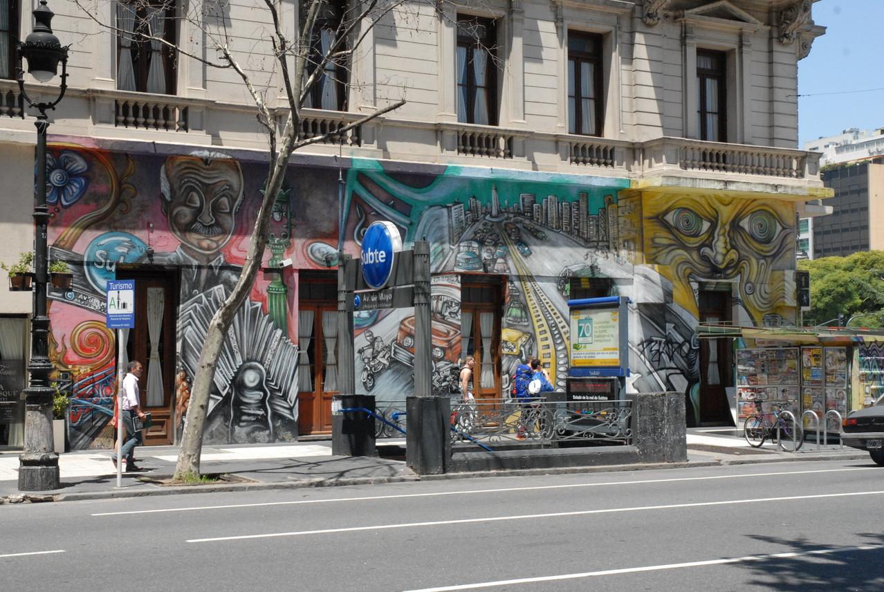 Bemaltes Haus an der Ecke