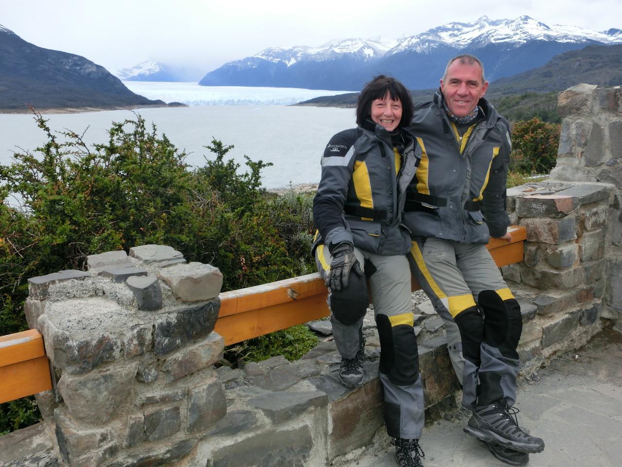 Vor dem Perito Moreno Gletscher