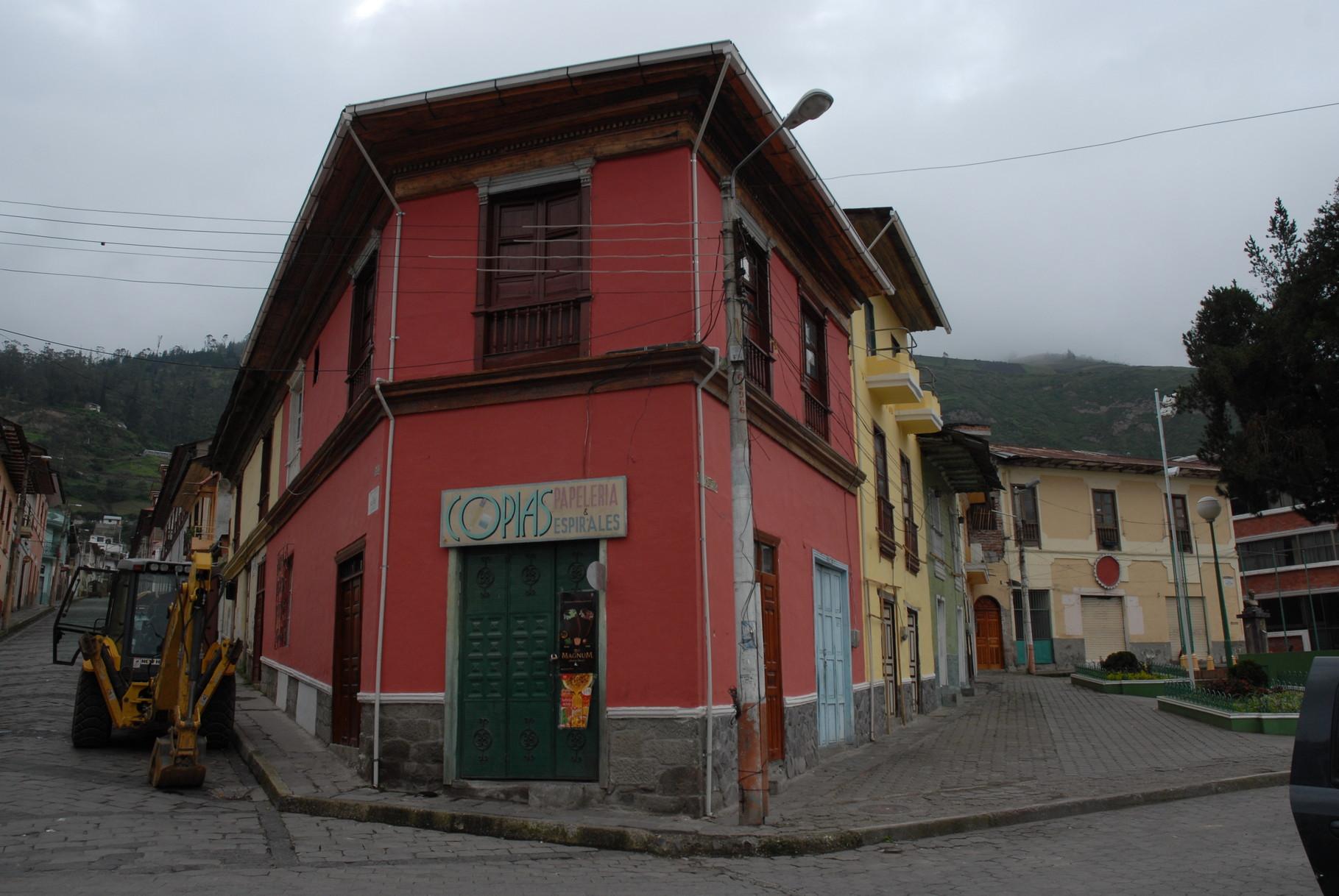 Häuserzeile in der Nähe des Bahnhofes