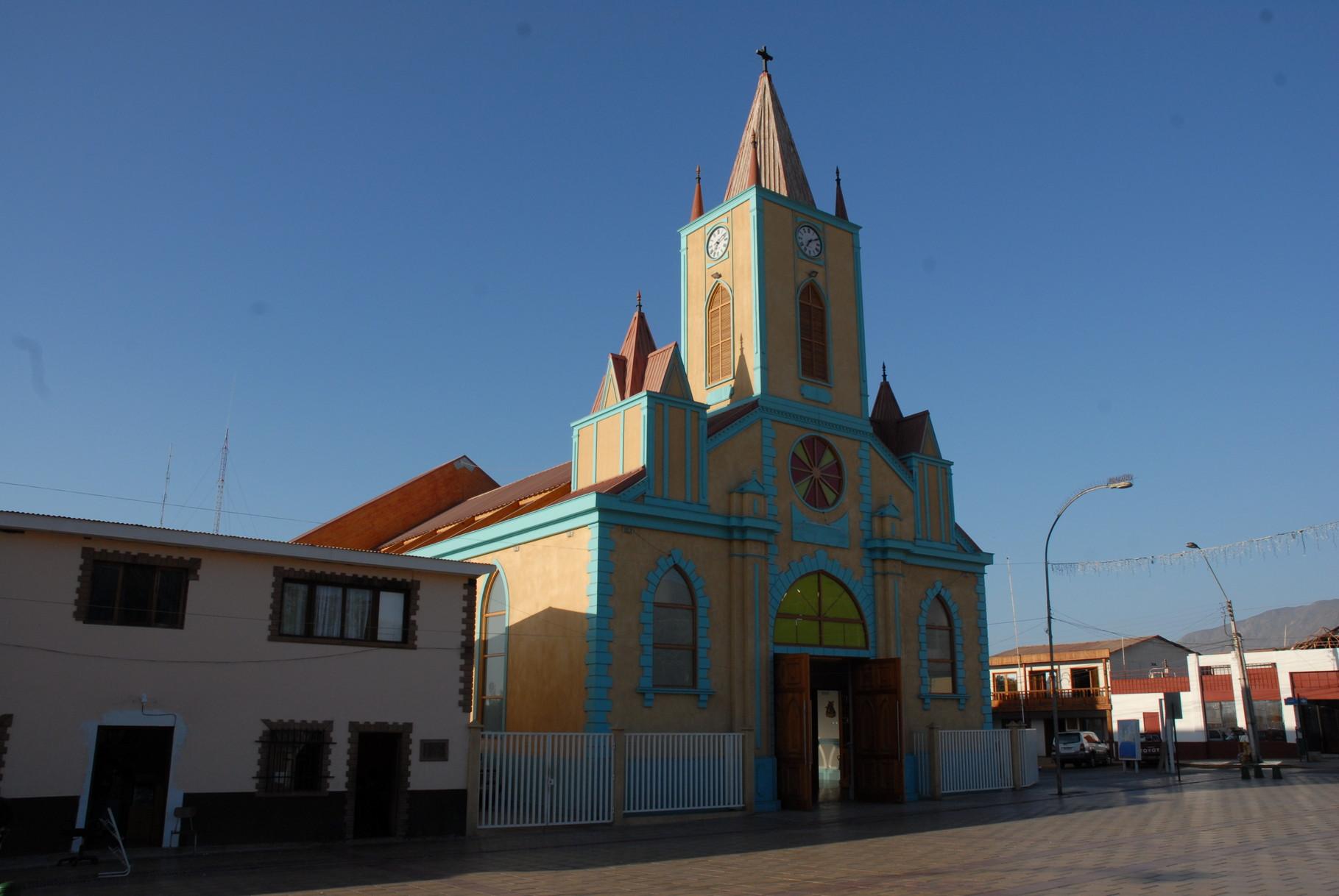 Eine ganz moderne Kirche hatten sie in Taltal