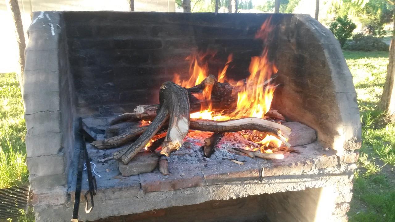 Hier hat jede Hütte einen eigenen Grillplatz ... praktisch!