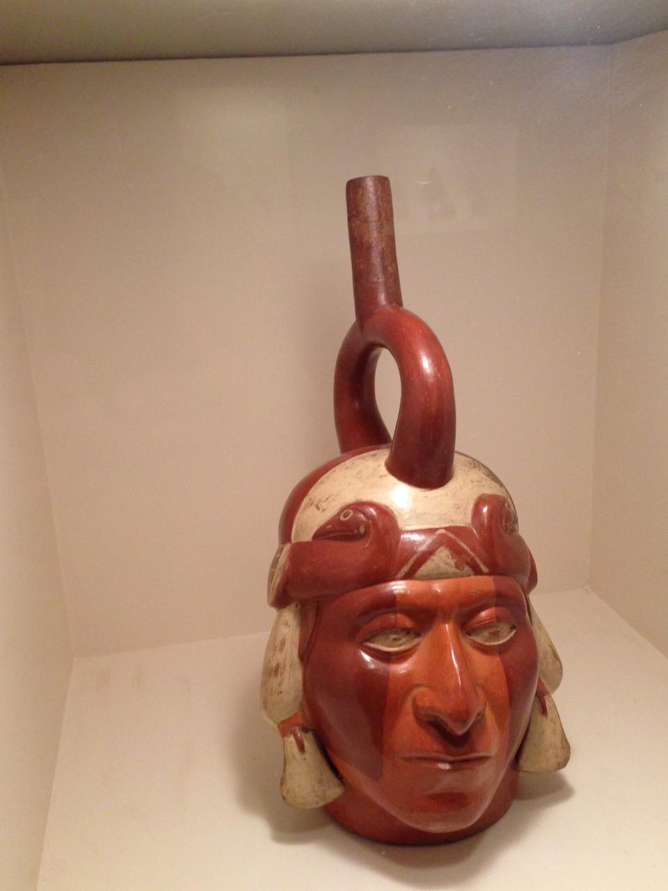 Trinkgefäße aus der Viru-Kultur