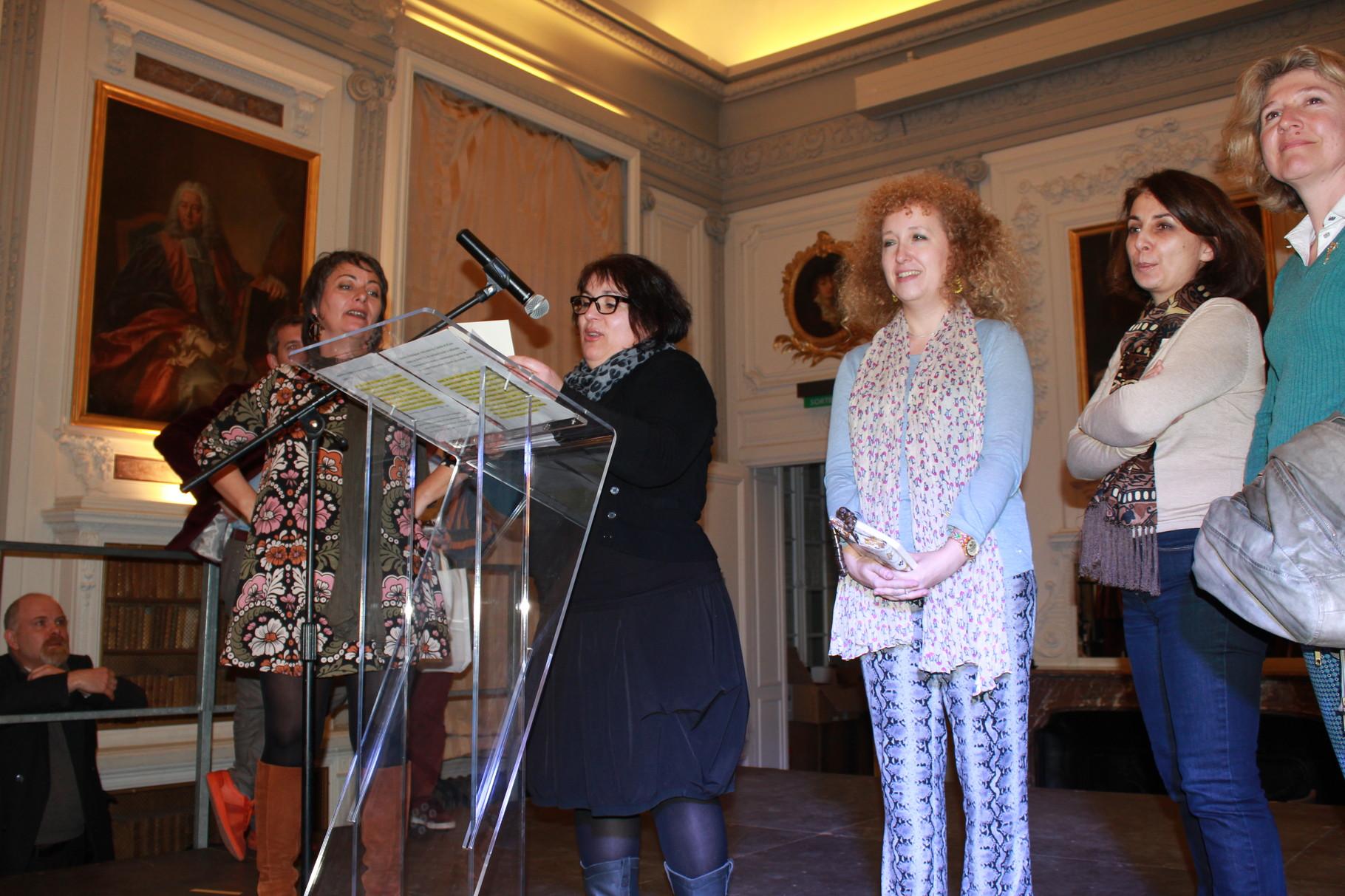Annonce du 2ème Prix de la Nouvelle Humoristique 2016 par Céline Santran (écrivain) et Anita Berchenko (éditrice)