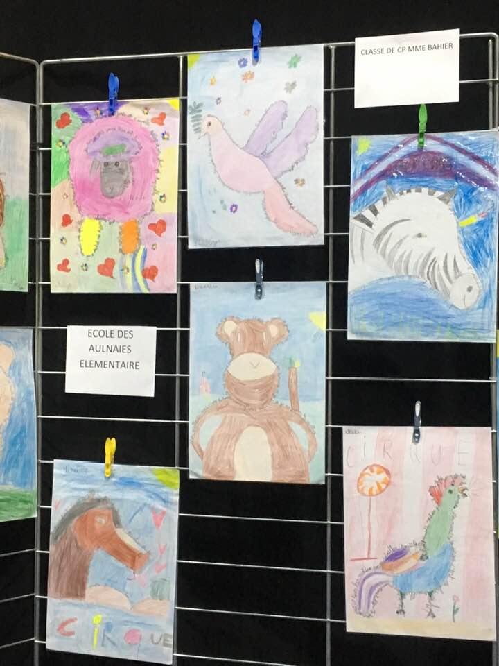 Les calligrammes (dessins réalisés avec des phrases) sur les animaux du cirque inventés, écrits et dessinés par les élèves de CP de Mme Bahier