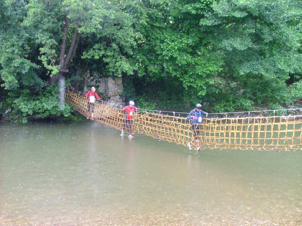 Lot Aventure parcours en traversée pont népalais