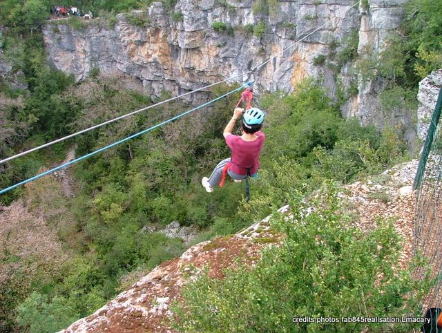 Lot Aventure parcours en tyrolienne