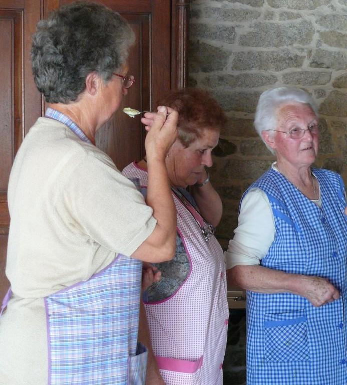 Christiane va donner son verdict. Annick et Maria attendent
