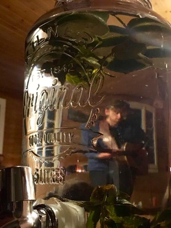 ... 37: Peter Doran live @ Gaulihütte