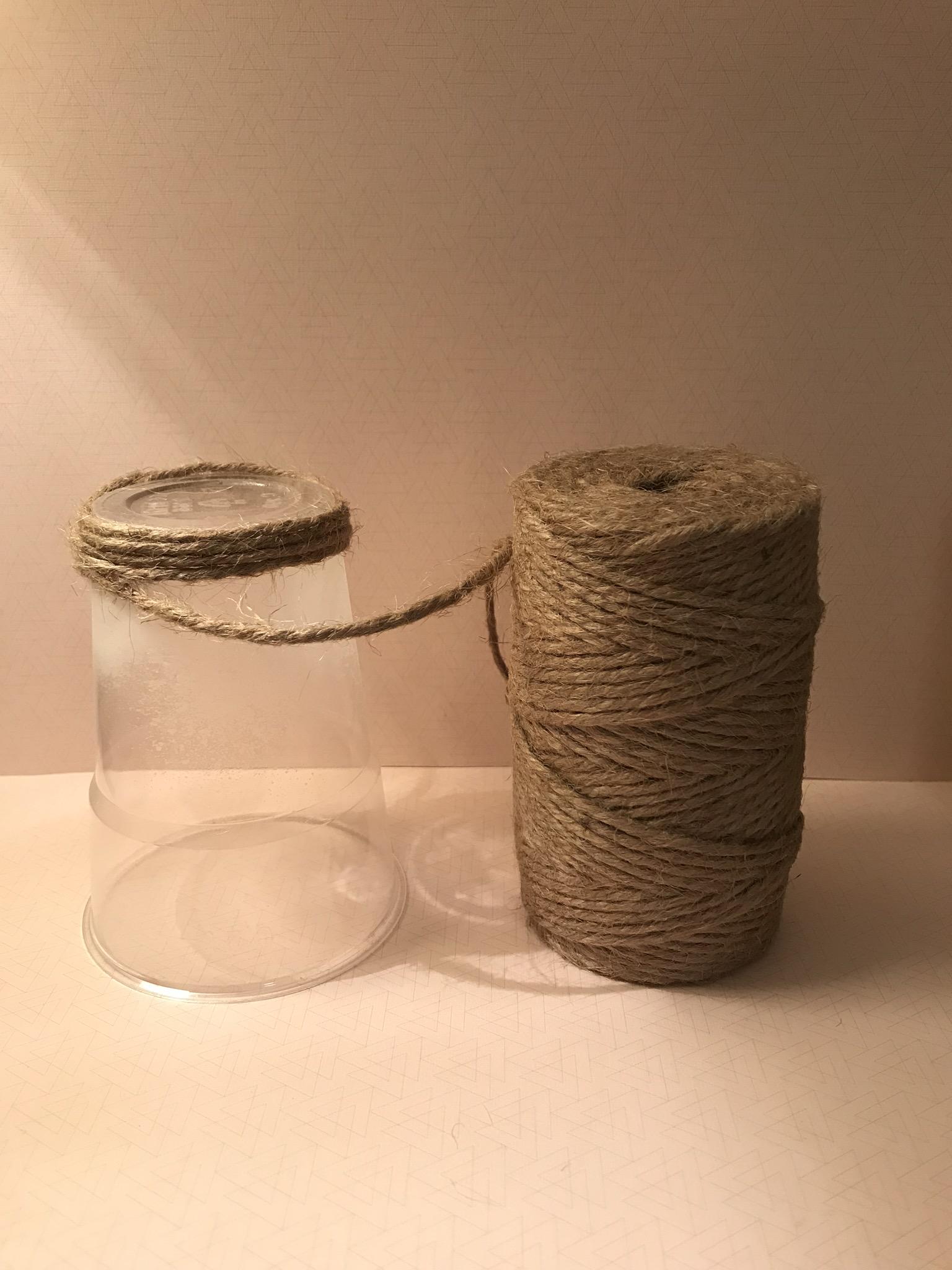 Enrouler votre corde en jute sur tout le contour du verre