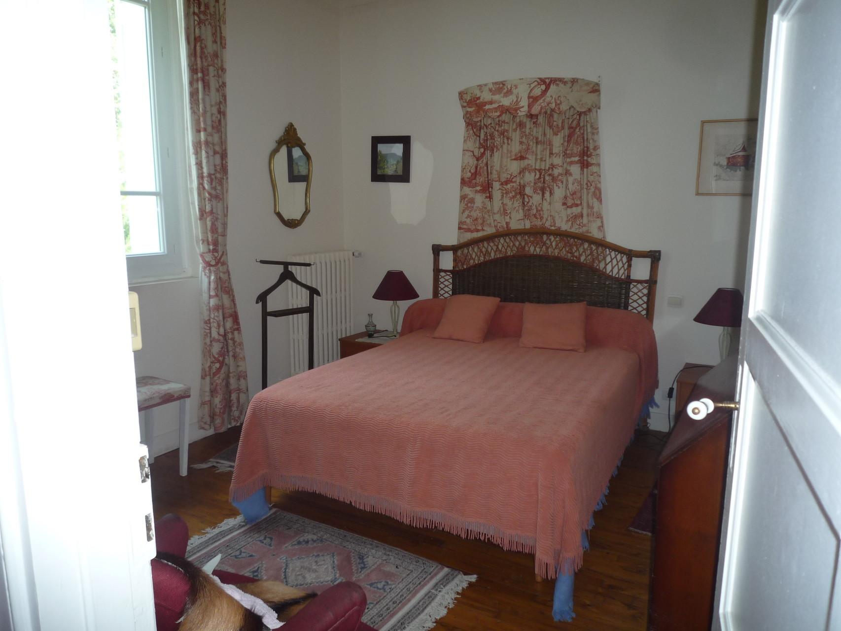 Chambre rose, au premier étage