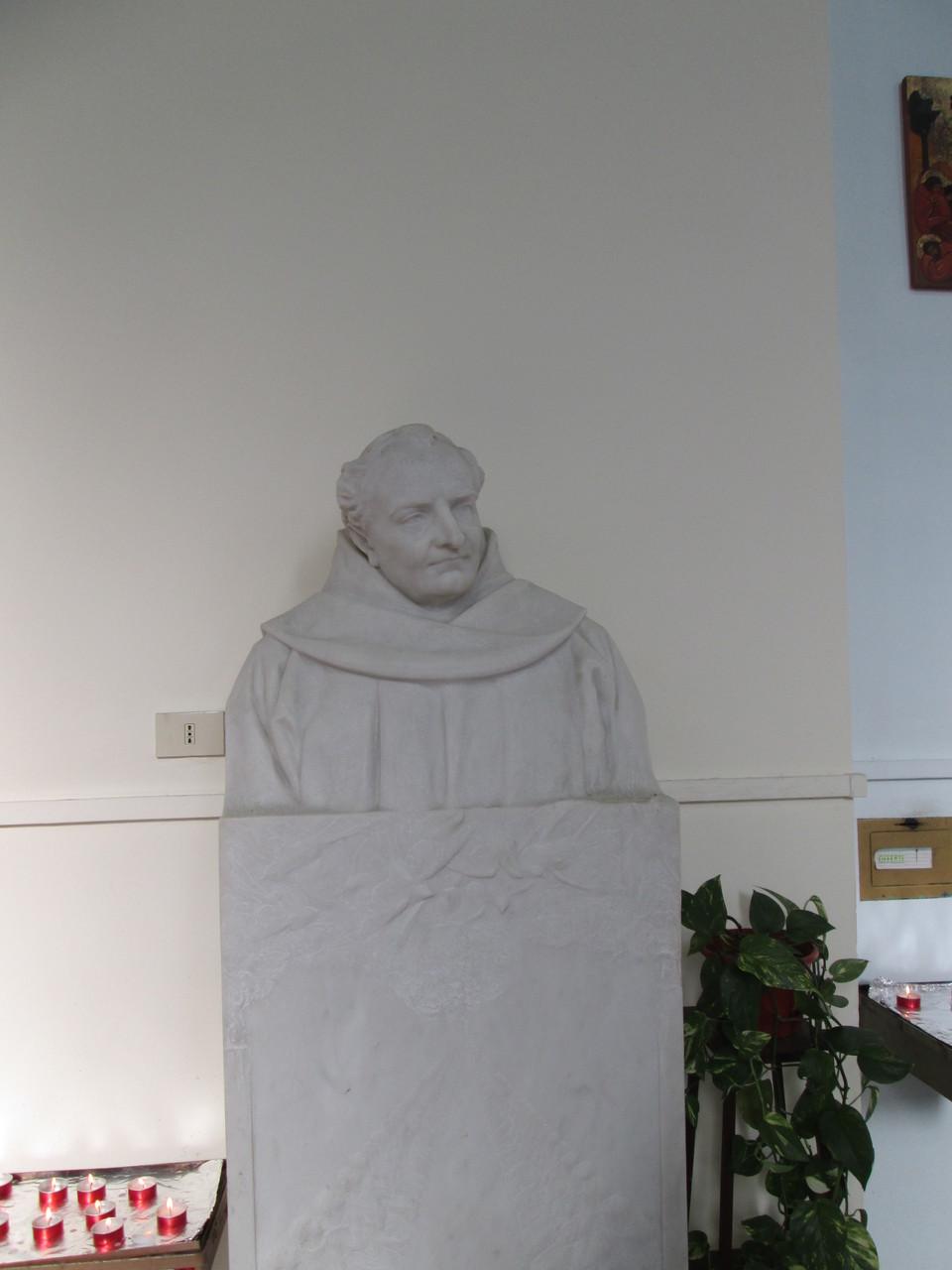 Monumento marmoreo del Padre Agostino