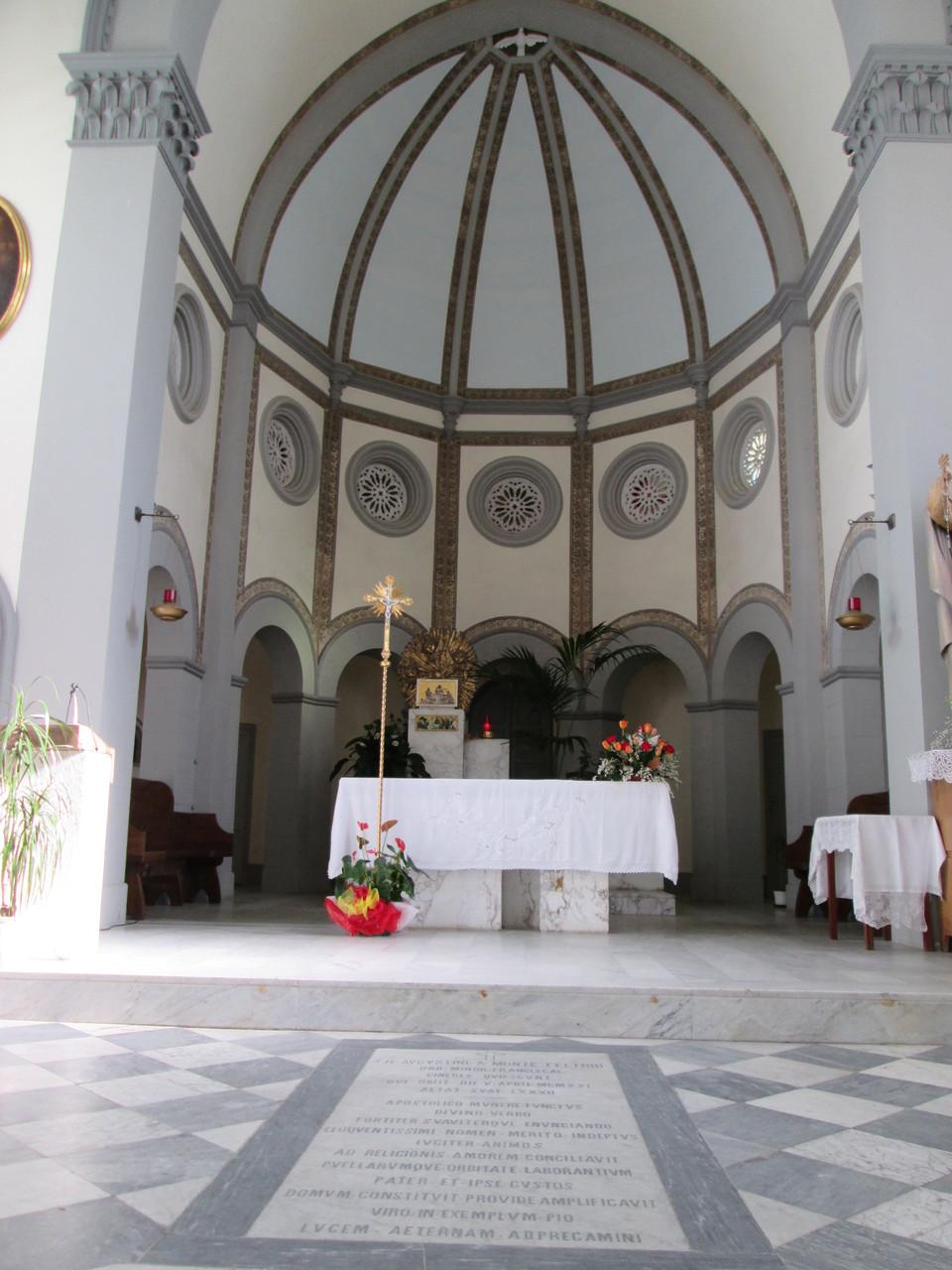 All'interno della Chiesa Santa Maria Assunta-Tomba del Padre- Marina di PisaS