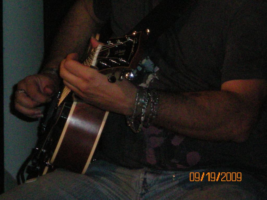 Il nostro insegnante di chitarra 1