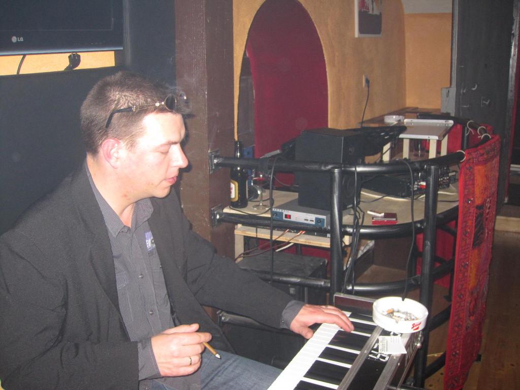 Helmut Hochstetter am Klavier