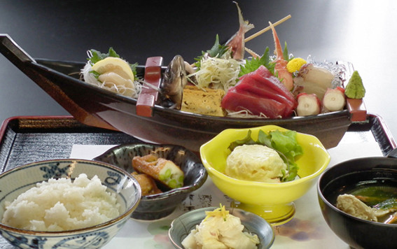 さしみ定食 ↑