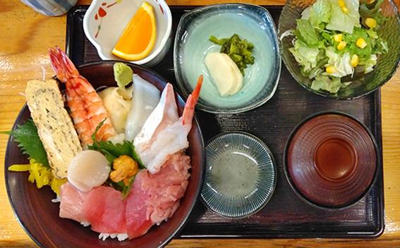 魚健ちらし(定食セット)