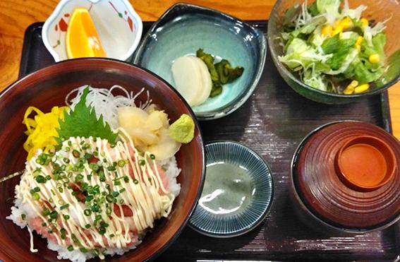 ねぎとろえびマヨ丼(定食セット)