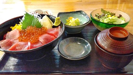 まぐろイクラ丼(定食セット)
