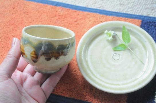龍門司 コロ茶碗¥1200/瀬戸 梅紋4寸皿¥1100