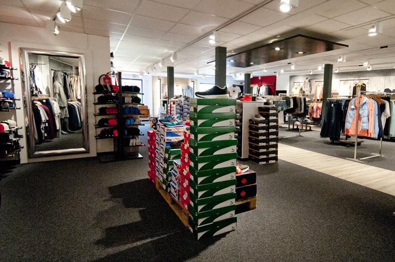 Puma, Dockers, Converse, Vans und Co. - neben Mode und Accessoires findet Ihr bei uns auch coole Schuhe von Boots bis Chucks.