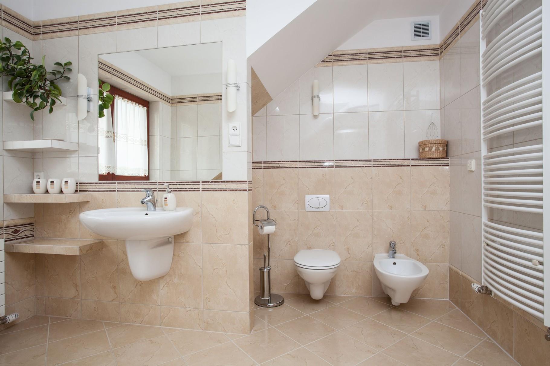 musterb der badsanierung aus einer hand. Black Bedroom Furniture Sets. Home Design Ideas