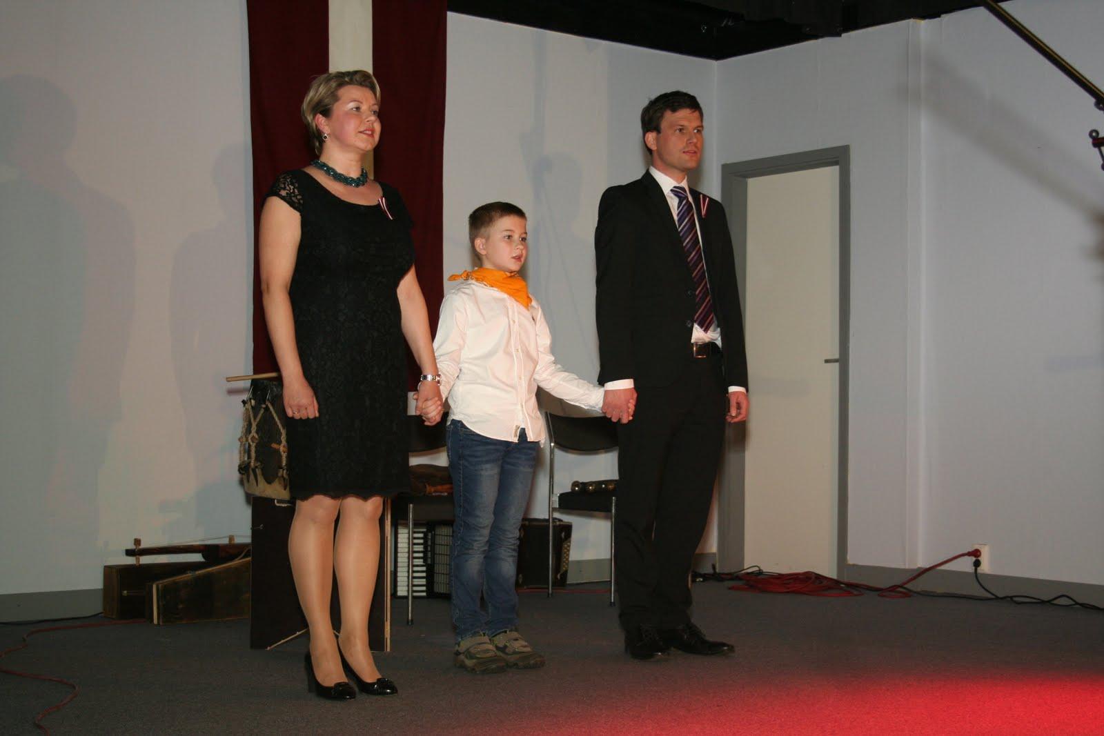 Svētku koncertu atklāj Zane, Juris un Jānis