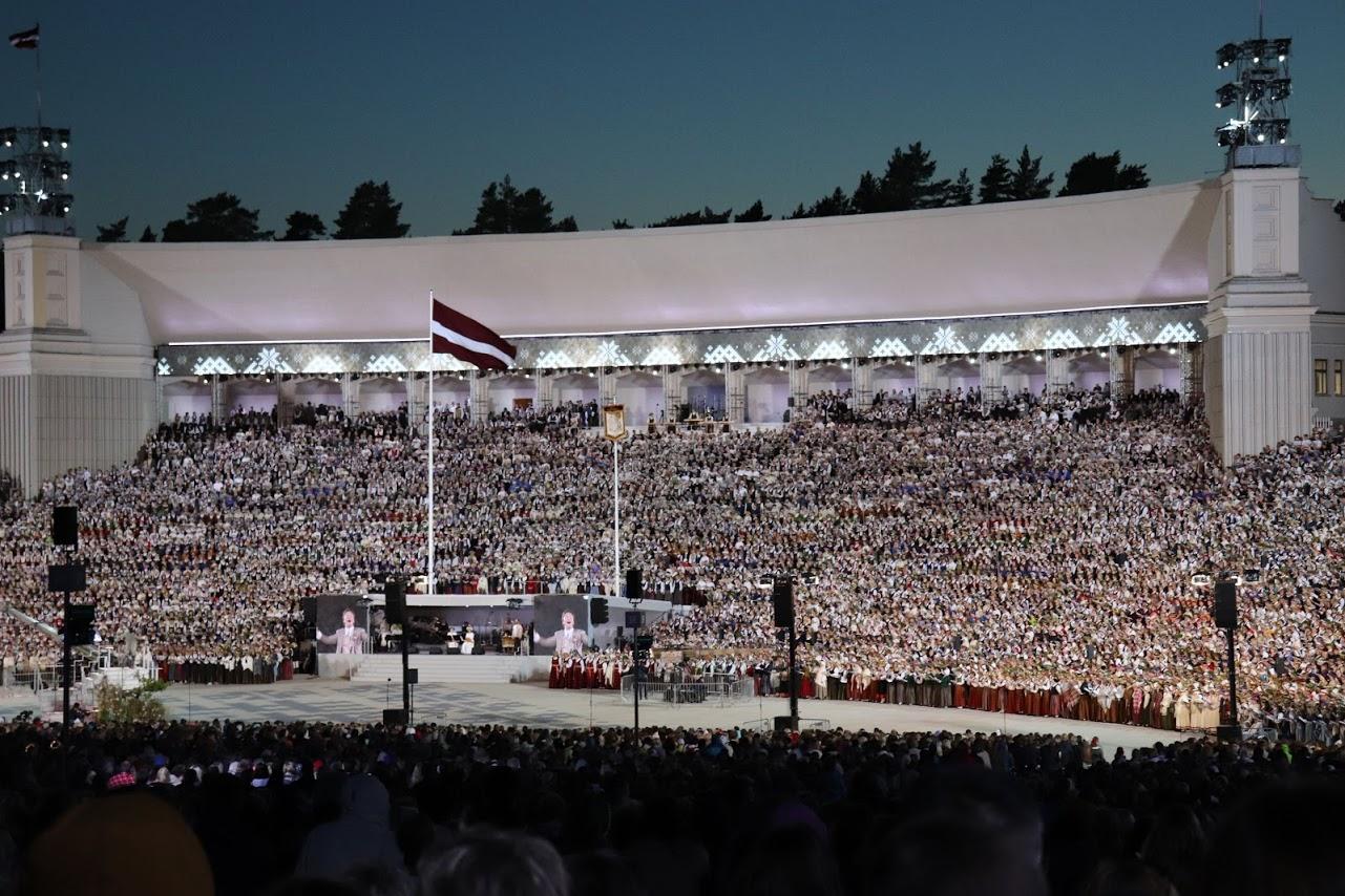 Pavisam noteikti vismaz 11 hamburgieši bija TUR - korī starp 16 500 dziedātājiem!