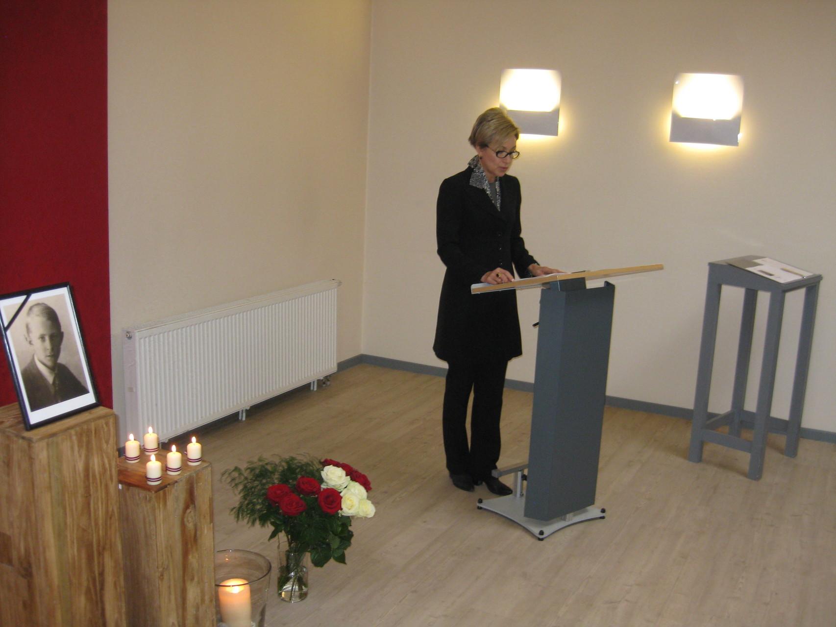 Latvijas Republikas vēstniece E. Kuzmas uzruna