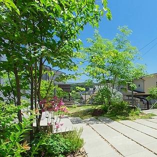 ミヤモリデザイン事務所:庭のリノベーション「丘に佇む住まい〜そして、森へ」
