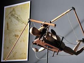 Devenir le premier homme volant fut une des plus grandes obsessions de Léonard de Vinci. (Alain Germond, Musée d'histoire naturelle de Neuchâtel)