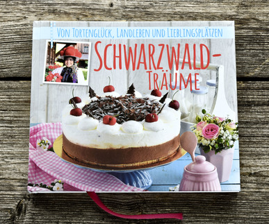"""Das Buch """"Schwarzwaldträume"""" mit vielen Geschichten und Rezepten aus unserer Heimat ist ab sofort im Werkstattladen erhältlich"""