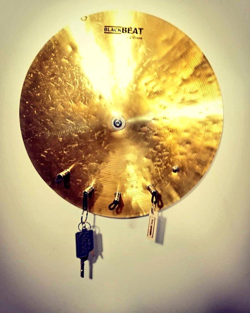 Becken-Board - Schlüsselboard aus einem Schlagzeug-Becken - schönES Ding