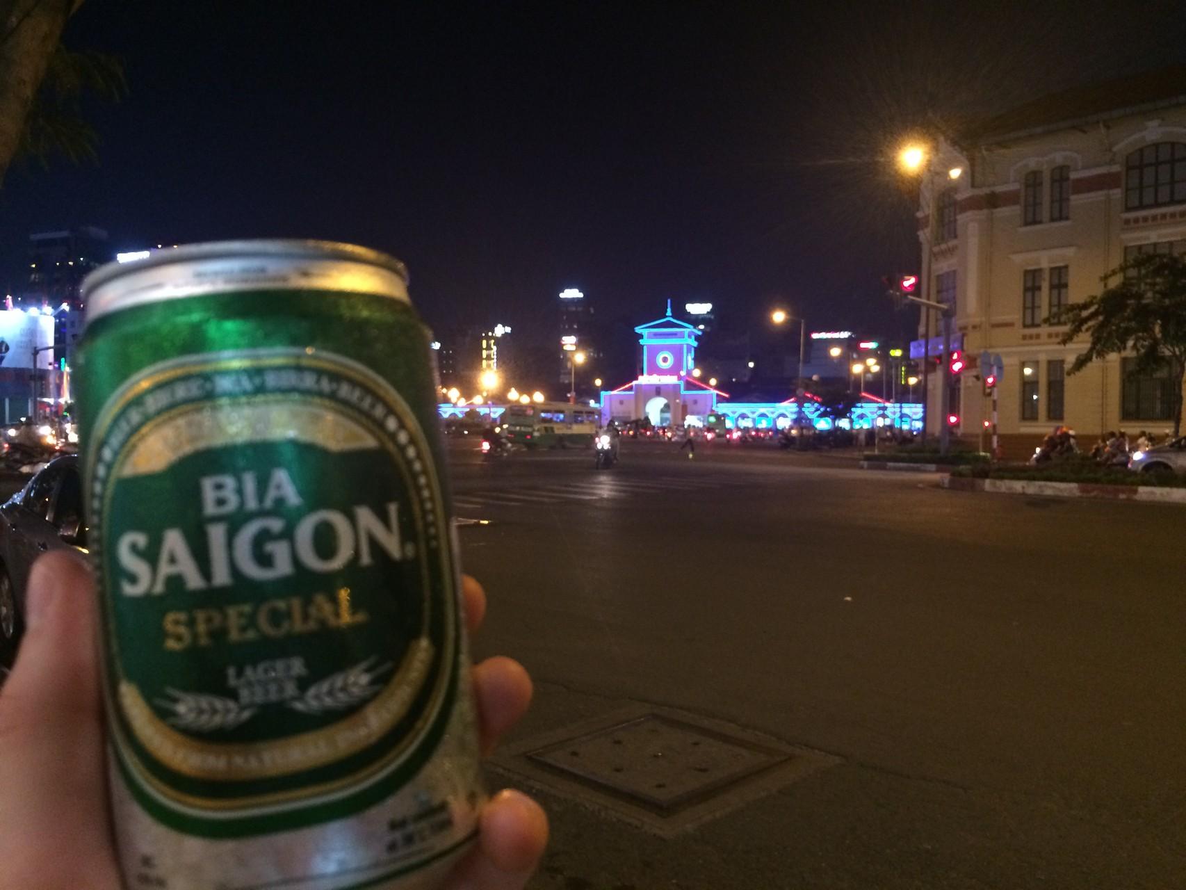 Bia Saigon am großen Kreisel