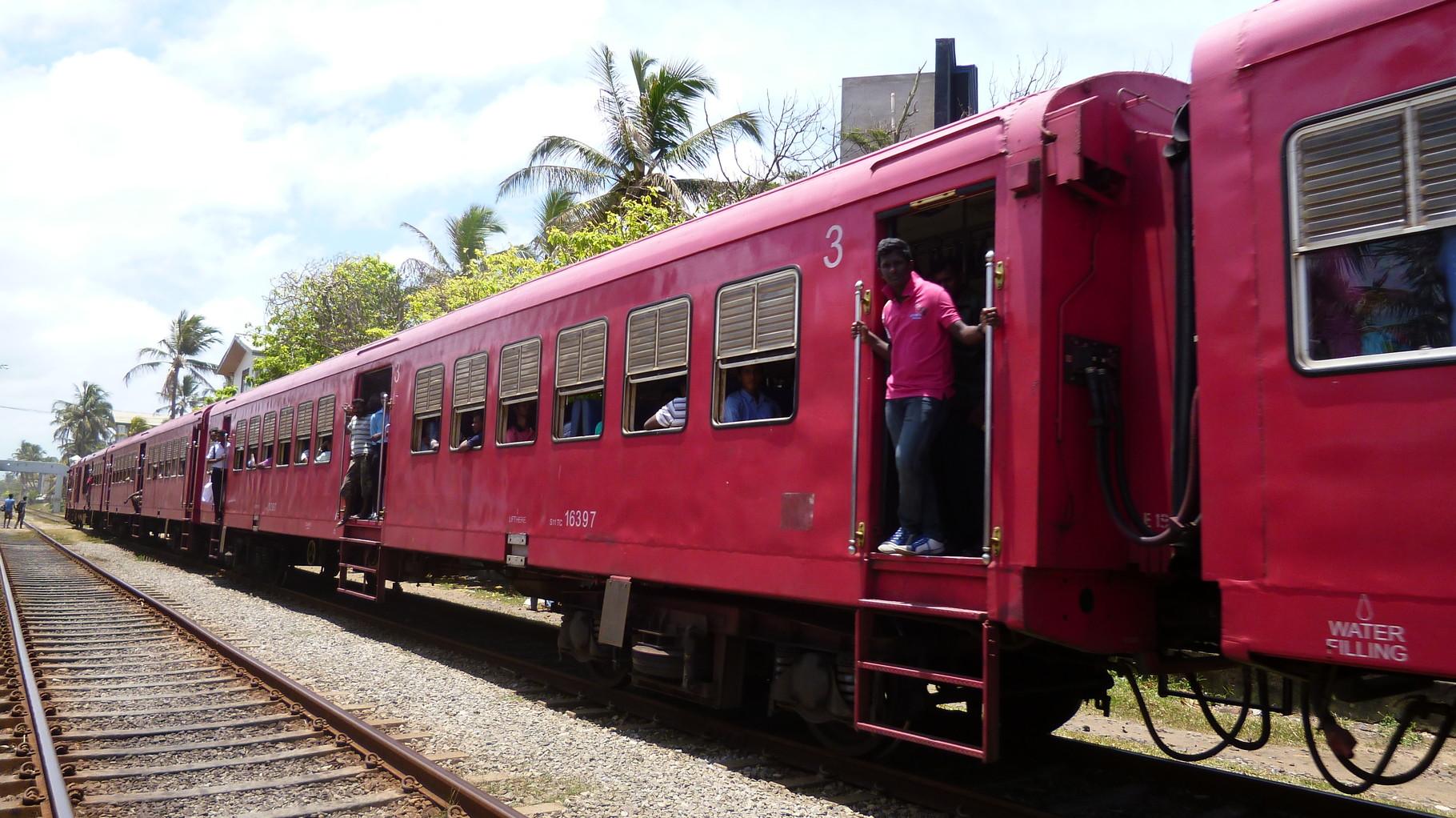 Typischer voll besetzter Zug