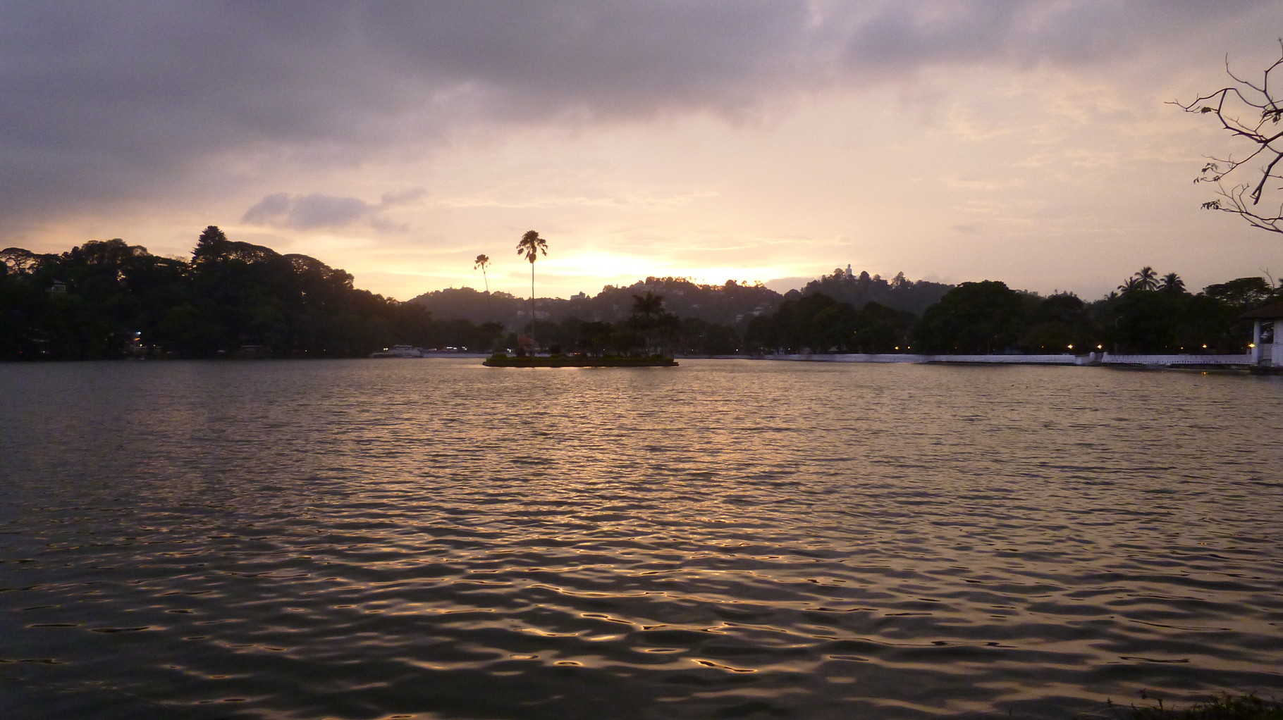 Kandy Lake @ sunset