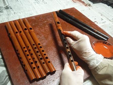 オリジナル横笛特注D管製作中4 表面朱漆塗り